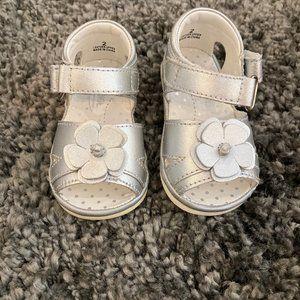 Girls Angel Silver Leather Flower Sandals